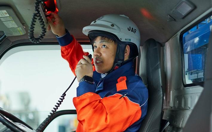 先輩職員の仕事 清水直之(ロードサービス隊員) | JAF
